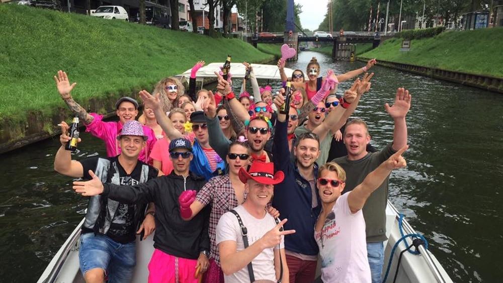 uniek teamuitje met rondvaartboot door Den Bosch