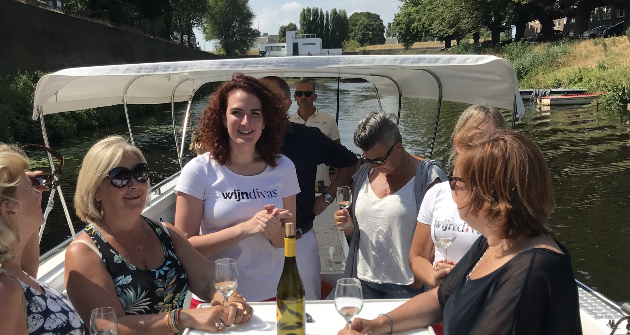 wijnproeverij aan boord van D'n Draak