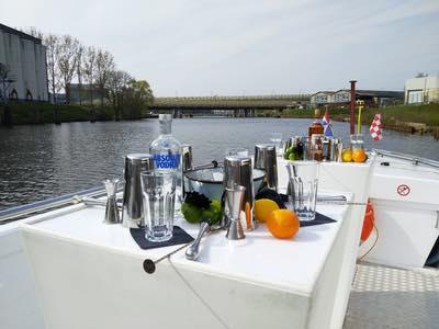 Cocktails aan boord van De Vlotte Vloot