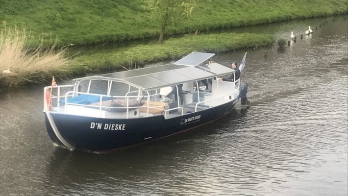 Elektrische rondvaartboot voor 40 personen