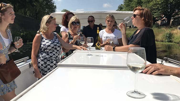 Wijn op 't water - wijnproeverij aan boord bij De Vlotte Vloot