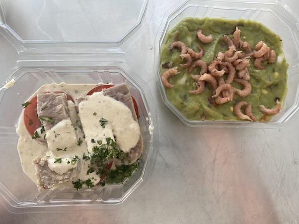 langzaam gegaarde tonijnfilet en avocadocreme met garnalen