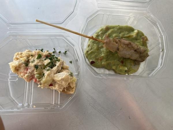 Spaanse tonijnsalade en Spiesje van kippendijen met avocadocreme